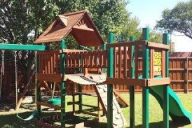 Solid Base Playset