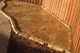 Flagston patio with boarder (2)
